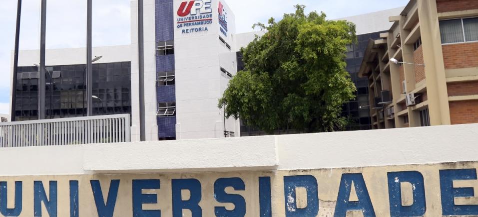 """Resultado de imagem para residência médica upe"""""""