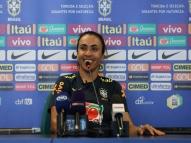 Marta nega pressão por título mundial pela seleção