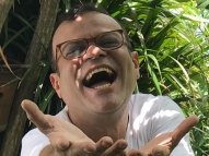 Ex-BBB Daniel Rolim é vacinado contra a Covid-19
