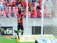 Sport vence o Botafogo-SP por 3 a 0 e cola no G4