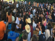 Amor é tema de aula ao ar livre no Recife
