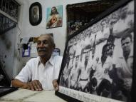 Com 30 gatos, zagueiro do Santos de Pelé vive no Recife