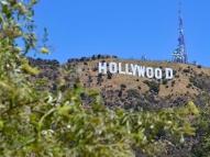Polícia troca tiros com suspeito em estúdio de Hollywood
