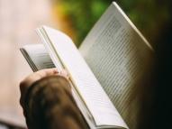 MEC: petição pede suspensão de livros clássicos alterados
