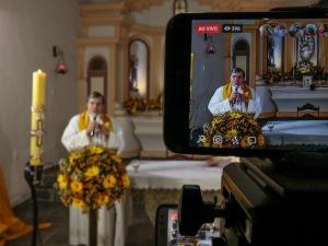 Fé Digital: como as igrejas se adaptaram à quarentena