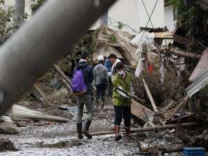 Equipes continuam em busca de desaparecidos no Japão