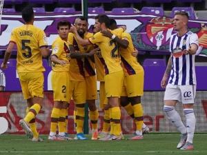 Barcelona vence fora e impede título antecipado do Real