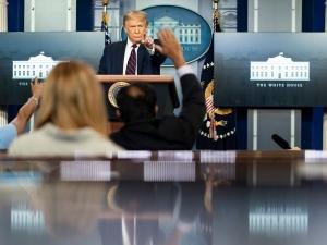 Trump confirma tiroteio 'do lado de fora da Casa Branca'