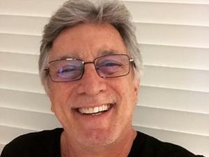 Ator Eduardo Galvão está internado na UTI com Covid-19