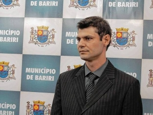Polícia prende prefeito do PSDB acusado de abuso de menor