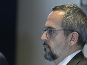 Weintraub: MEC criará institutos militares estilo 'ITA'