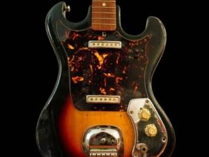 Guitarra de Jimi Hendrix é leiloada por um milhão de Reais