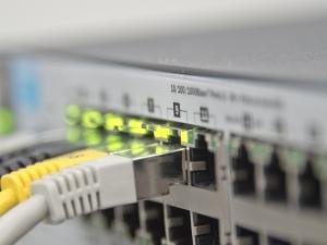 FBI diz que hackers infectaram roteadores de 50 países