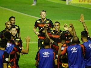 Sport larga bem vencendo o Ceará, campeão do Nordeste