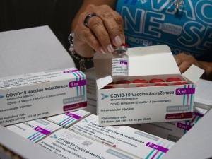 Covid: lote de vacinas começa a ser distribuído amanhã