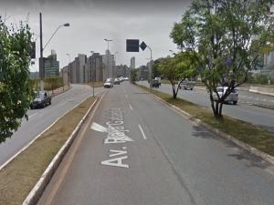 Homem atropela três pessoas e urina em viatura da polícia