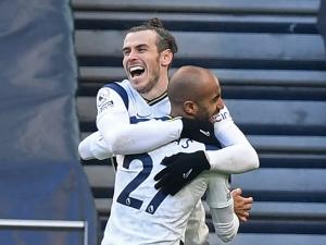 Tottenham goleia Burnley com atuação de gala de Bale