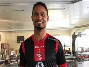 Torcida protesta contra a contratação do goleiro Bruno