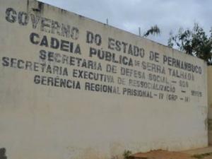 Dez fugitivos da cadeia de Serra Talhada são recapturados