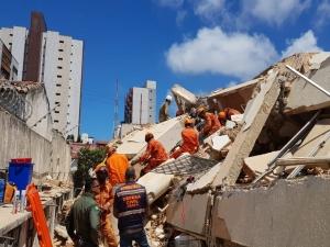 Segundo corpo é encontrado nos escombros de prédio no CE