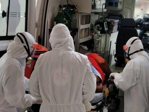 Brasil lidera em novas mortes por covid-19