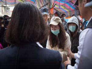 Contaminações do coronavírus ultrapassam 2 mil no mundo