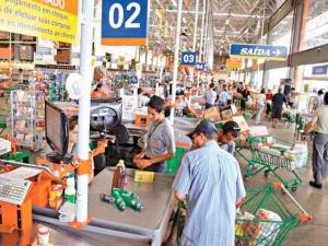 Vendas no varejo brasileiro têm pior setembro em 18 anos