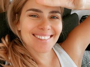 Carolina Dieckmann relembra ensaio nu com atrizes famosas
