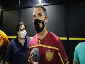 Thiago Neves cobra R$ 20 milhões e retratação do Atlético