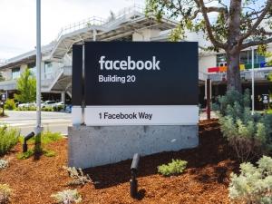 Escritório do Facebook é evacuado após ameaça de bomba