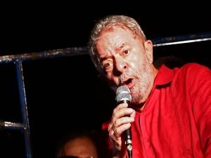 Defesa de Lula busca concessão de prisão domiciliar no STF
