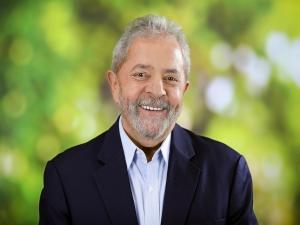 Palocci entregou dinheiro vivo a Lula em caixas de uísque