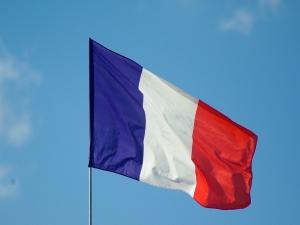 Ameaçados pelo governo Bolsonaro terão ajuda na França