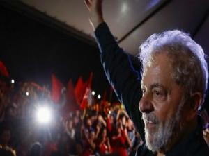 Juiz dá 8 dias para Lula se manifestar no caso do sítio