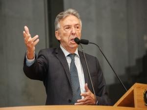 José Queiroz contesta vagas remanescentes no Mais Médicos