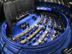 Senado aprova projeto que pune abuso de autoridade