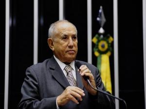 Aos 91, 'criador' do Tocantins assume vaga no Senado
