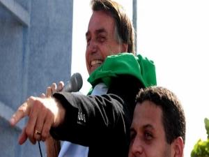 Bolsonaro volta a atacar candidato de Cristina Kirchner