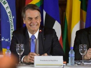 Bolsonaro faz gesto de apoio ao premiê português