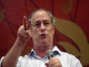 Bolsonaro convoca para ato contra o Congresso e Ciro reage