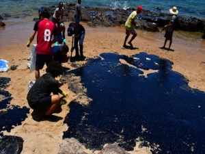 Manchas de óleo: CPI ouve secretários de meio ambiente