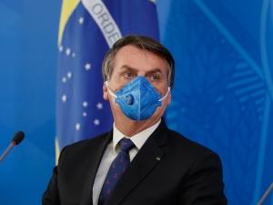 Bolsonaro proibido de adotar medidas contra isolamento