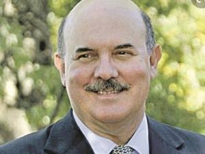 Bolsonaro indica Milton Ribeiro para assumir o MEC