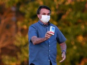 Bolsonaro volta a insistir no uso da cloroquina