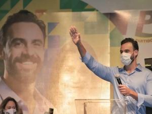Recife: LeiaJá entrevista o candidato Carlos Andrade Lima