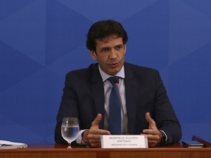 Ministro do Turismo testa positivo para Covid-19