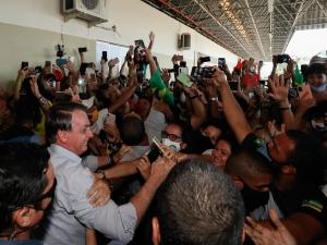 MA: Bolsonaro provoca nova aglomeração de apoiadores