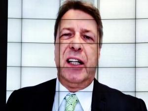 Deputado é críticado por chamar colegas de 'histéricas'