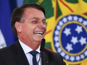 Bolsonaro fala sobre leite condensado e xinga a imprensa