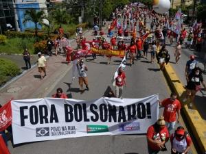 Atos contra Bolsonaro acontecem pelo País